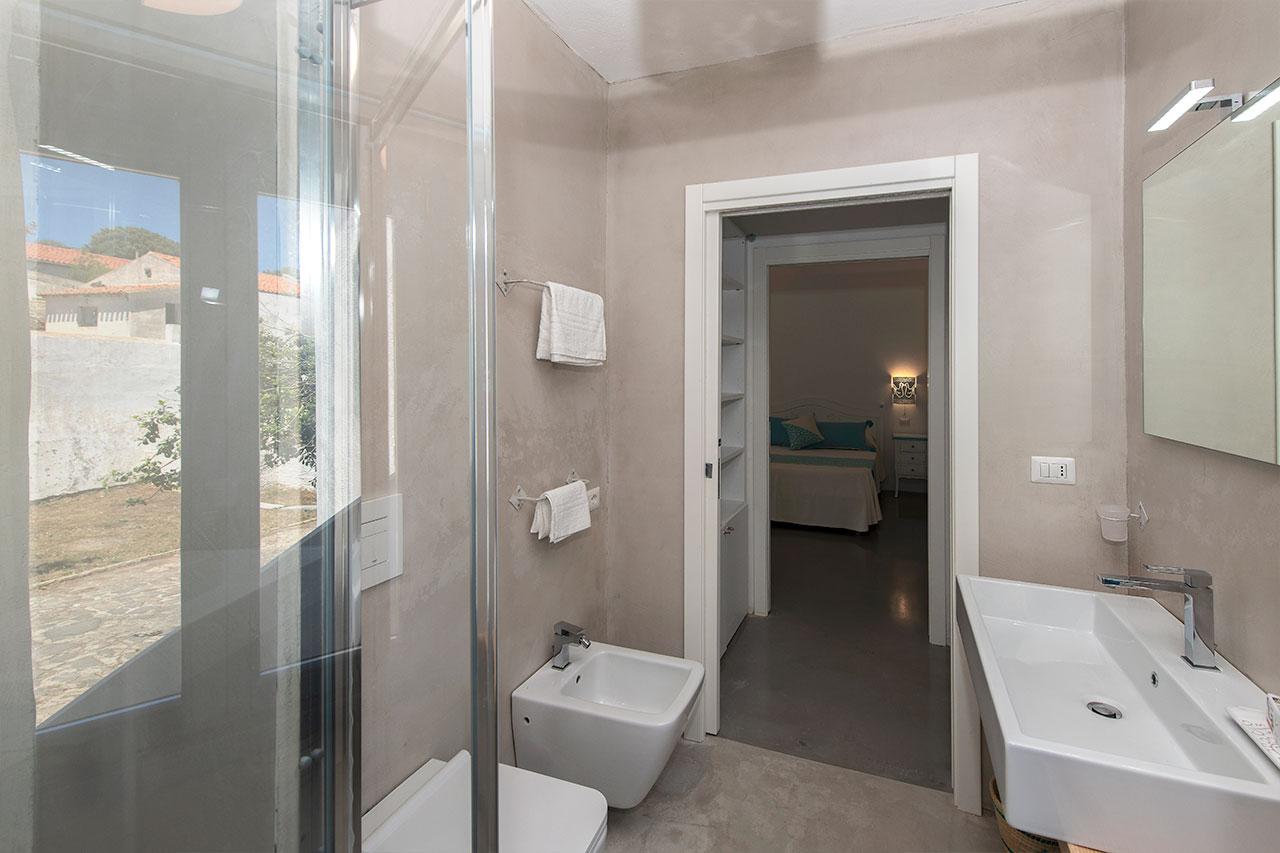 Foto bagno camera Pavoncella Asinara 2